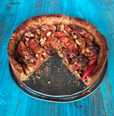 Vegan apple hazelnut pie